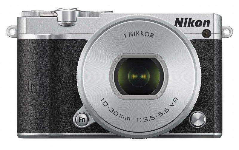 Nikon 1 J5 + 10-30mm SL