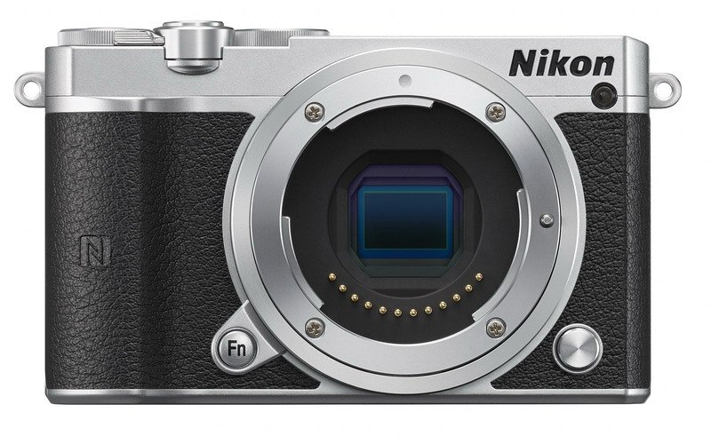 Nikon 1 J5 Stříbrný