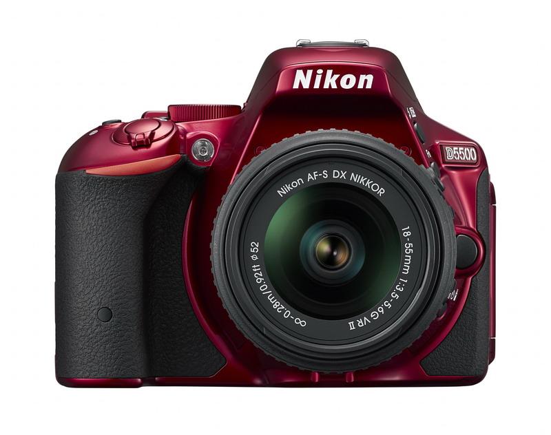 NIKON D5500 červená + 18-55 AF-P VR II