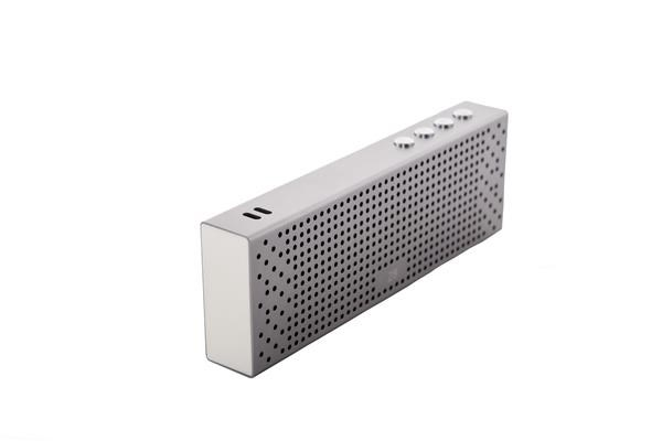 Sound CLUB RUGGED SILVER - elegantní přenosný BT reproduktor