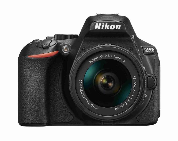 NIKON D5600 Black + 18-55 VR AF-P